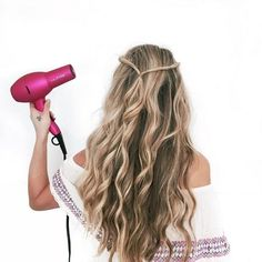 Running late? Have no fear. The Signature Dryer is here! @carajourdan uses hers to cut her hair drying time a fraction of the usual time ! Plus, can we all please take a moment to appreciate her perfect beachy waves✨ ? #hairoftheday #NuMeStyle #loosewaves
