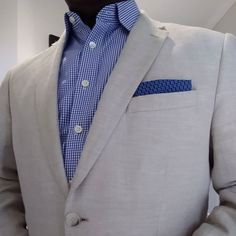 Debut an new and improved sense of fashion with the help of this classically traditional star patterned handkerchief in dark blue and browns. Men's Pocket Squares, Star Patterns, The Help, Dark Blue, Bows, Organic, Style Inspiration, Blazer, Traditional