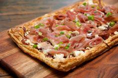 Carolina Ferraz prepara uma versão sofisticada e saborosíssima de pizza