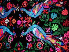 Romanian design Paper Animals, Egg Decorating, Romania, Crochet Stitches, Crow, Felting, Drawing Ideas, Folk Art, Pattern Design