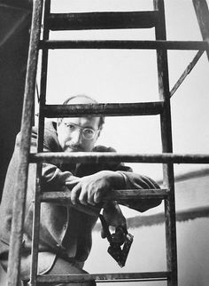 Citation: Mark Rothko at work, 1952 / Kay Bell Reynal, photographer. [Photographs of artists taken by Kay Bell Reynal], Archives of American Art, Smithsonian Institution. Mark Rothko, Rothko Art, Robert Rauschenberg, Famous Artists, Great Artists, Male Artists, Edward Hopper, Abstract Painters, Expressions