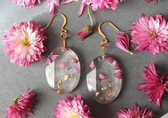 Real Flower Petals And Gold Flakes In Resin Jewelry By Lyuda | Bored Panda