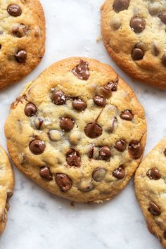 Dairy Free Chocolate Chips, Keto Chocolate Chip Cookies, Paleo Cookies, Healthy Cookie Recipes, Paleo Sweets, Healthy Treats, Paleo Recipes, Easy Recipes, Almond Flour Cookies