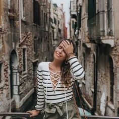 When it's too hot to take pics in fall clothing  but you keep your smile bc you are happy to be in breathtaking Venice ☺️ - Sara (@collagevintage)