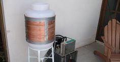 Fermentador cônico com camisa de regulagem de temperatura. Construímos uma serpentina com cano de cobre em torno do fermentador de 60l e ...