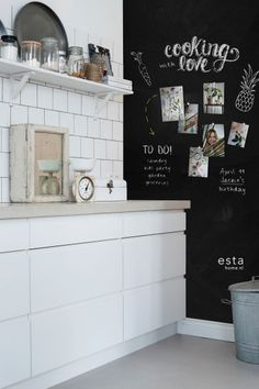 Magnetic Chalkboard Paint, Chalkboard Wallpaper, Kitchen Blackboard, Look Plus, Deco Design, Home Interior Design, Home Kitchens, Kids Room, New Homes