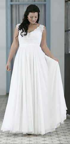 Simple chiffone plus size wedding gown with V- neck. Orel. Studio Levana