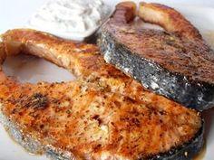 Somon pe grill cu sos de iaurt Romanian Food, Yummy Food, Tasty, Quick Meals, Fish Recipes, Seafood, Steak, Grilling, Pork