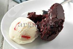 Chocolate pie only in Choco Pie, Chocolate Pudding Cake, Chocolate Sweets, Chocolate Recipes, Chocolate Heaven, Cupcakes, Cupcake Cakes, Brownies, Greek Sweets