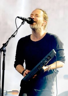 Thom Yorke - #Radiohead - Emirates Old Trafford on July 4, 2017 in Manchester, England - By Shirlaine Forre