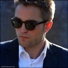 Robert Pattinson on MTTS set - Aug 2013.