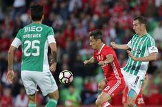 Um golo de Jiménez, aos 75 minutos, bastou para o Benfica vencer o Rio Ave, em Vila do Conde.