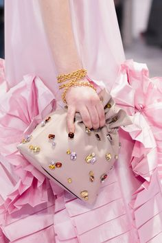 311 Best Leather- Handbags images in 2019   Leather handbags ... 699f8bab3d