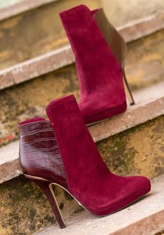 booties Great Early Fall Booties from 38 of the Flawless Early Fall Booties collection is the most trending shoes fashion this season. This Early Fall Booties look related to shoes, footwear, Heeled Boots, Bootie Boots, Shoe Boots, Ankle Boots, Botines Peep Toe, Boutique Fashion, Fall Booties, Hot Shoes, Women's Shoes