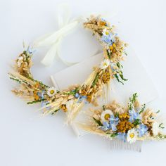 15 Beautiful Dried Flower Crowns You Can Buy on Etsy Fall Flower Crown, Flower Crown Bride, Flower Crowns, Floral Crown, Flower Hair Accessories, Wedding Hair Accessories, Dried Flowers, Flowers In Hair, Wheat Flower