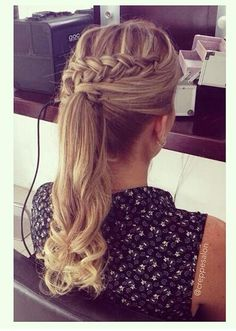 super cute way to do a ponytail