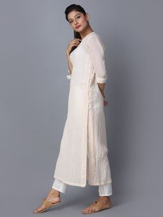 Pink Off White Striped Cotton Kurta Kurta Designs Women, Kurti Neck Designs, Dress Neck Designs, Salwar Designs, Blouse Designs, Indian Designer Outfits, Designer Dresses, Salwar Pattern, Kurta Style