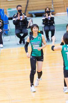 Japan Woman, Women Volleyball, Basketball Court, Sporty, Twitter, Aqua, Water