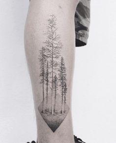 Tatouage d'arbre forêt dotwork