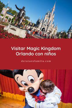¿Visitar Magic Kingdom Orlando con un bebé? Os contamos nuestra experiencia visitando durante un día el parque más famoso de Disney. Disney Springs, Epcot, Minnie, Mickey Mouse, Magic Kingdom Orlando, Disney Characters, Fictional Characters, Florida, Disneyland Paris