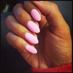 Almond shape nails. Love.
