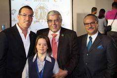 La Liga Venezolana de Beisbol Profesional cumplirá 70 años el 27 de diciembre y la voz de play ball para la celebración de ese aniversario se escuchó en los espacios de Ciudad Banesco, sede principal del Banco Oficial de la Liga Venezolana de (...)
