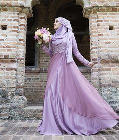 new ideas dress lace chiffon beautiful Muslimah Wedding Dress, Muslim Wedding Dresses, Muslim Dress, Evening Dresses For Weddings, Bridesmaid Dresses, Bridesmaids, Hijab Dress, Bridal Hijab, Hijab Bride