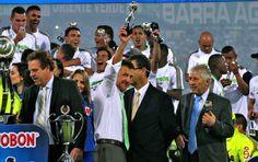 """Osorio llega al Sao Paulo por ser un ganador   Con la frase """"bienvenido Osorio"""" adornó ayer en la tarde el Sao Paulo su página web luego de confirmar en Twitter la contratación del técnico colombiano y de asegurar que será presentado en la """"quinta feria"""", es decir este jueves.   Por @jaimefutbol210 www.elcolombiano.com/deportes/atletico-nacional/osorio-llega-al-sao-paulo-por-ser-un-ganador-LD1995850  Foto JUAN ANTONIO SÁNCHEZ"""