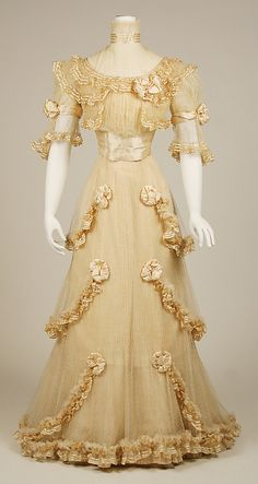 Jacques Doucet, Evening dress. Date: ca. 1906-7. Culture: French. Medium: silk.  Front view. Metropolitan Museum of Art.
