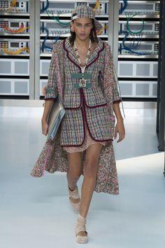 Fotos de Pasarela | Chanel, primavera-verano 2017 Primavera Verano 2017 Paris Fashion Week | 11 de 88 | Vogue