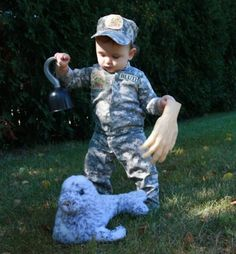 There are countless ways to depict our beloved Buster, but this soldier's parents did a great job. Just give your toddler a spare hand, a hook, and a seal, and voilà — your very own Buster Bluth baby.