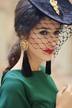 look invitada boda vestido midi vintage tocado guantes Vestidos Vintage, Vintage Dresses, Coco Chanel Dresses, Sunmer Dresses, Retro Mode, Ralph Lauren Style, Wedding Looks, Festival Outfits, Modest Outfits