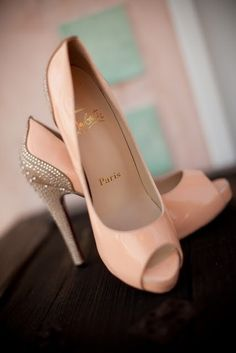 So ellegant! Creamy sequined  heels. Top 20 shoes trends.: