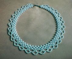 Pretty pattern for a lacy pearl collar necklace.