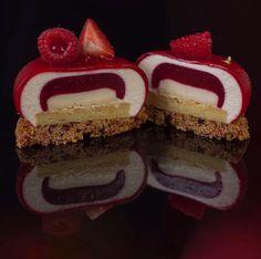 "4,850 curtidas, 24 comentários - KB-Gourmandises (@karim.bourgi) no Instagram: ""La découpe du Cheesecake: crunchy shortcrust with cranberry and dulcey chocolate- lemon cheese…"""