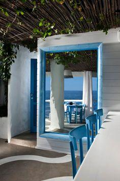 Il Riccio – Stylish Waterfront Restaurant In Capri Waterfront Restaurant, Restaurant Design, Outdoor Restaurant, Hand Painted Chairs, Greek Restaurants, Interior Decorating, Interior Design, Mediterranean Style, Beach Club