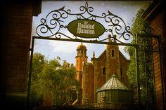 The Haunted Mansion - Liberty Square - Magic Kingdom