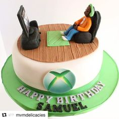 #Repost @mvmdelicacies ・・・ For the gamers at heart #xbox #xboxcake #xboxcakes #callofduty #blackops3 #callofdutyblackops3 #birthdaycake #cakestagram #vanillacake #fondantfigurine #mtlcakes #xboxone @christinesmolds