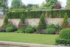 Italian terraced garden designed by Bestall&Co - Garden design Terraced Landscaping, Terraced Garden, Fence Landscaping, Landscaping Design, Terrace Garden Design, Modern Garden Design, Garden Landscape Design, Terrace Ideas, Garden Ideas