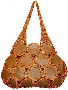 Lace: Bags with leather inserts and decor - - Bolsas de Plastico - Crochet Tote, Crochet Shoes, Crochet Handbags, Crochet Purses, Leather Bags Handmade, Handmade Bags, Lace Bag, Diy Bags Purses, Diy Handbag