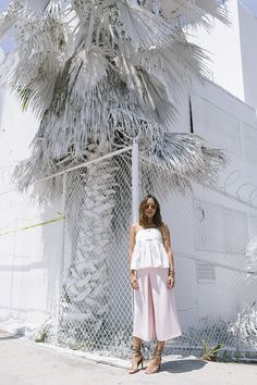 aimee_song_of_style_white_pleated_top_pink_bermuda_shorts_isabel_marant_chain_sandals