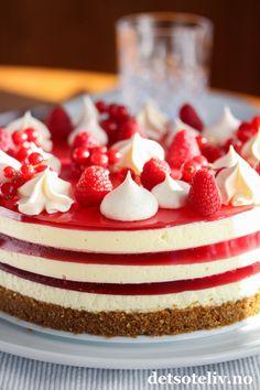 Ostekake med gelé i flere lag Mest Populære, Vanilla Cake, Food And Drink, Treats, Cookies, Baking, Desserts, Rome, Sweet Like Candy