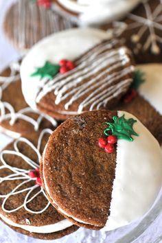 Biscoitos de Natal simples - arranjos e idéias de Natal com guloseimas - Weihnachten - Christmas Sweets, Christmas Cooking, Noel Christmas, Christmas Goodies, Simple Christmas, Christmas Pudding, Christmas Gingerbread, Christmas Parties, Christmas Decor