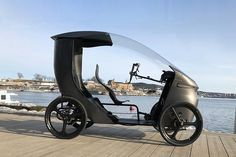The Norwegian CityQ electric vehicle is a mix between an e-bike and a car. The so-called LEV (Light Electric Vehicle) has four wheels, it can accommodate up to 3 people and a drive system including a motor of power, which is made possible speed of Velo Design, Bicycle Design, Electric Tricycle, Electric Cars, Electric Cycles, Electric Vehicle, 4 Wheel Bicycle, Reverse Trike, Engin