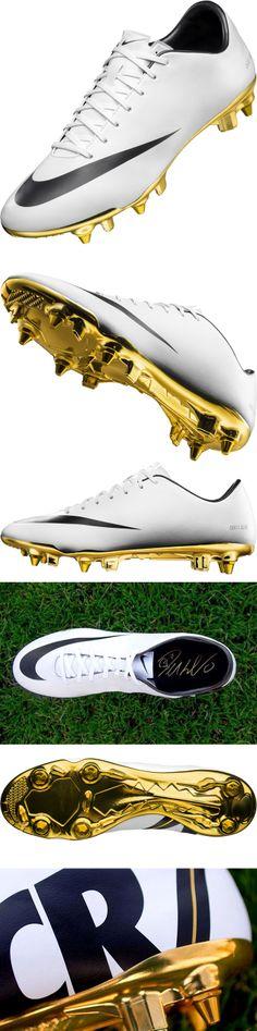 A Nike lançou 100 chuteiras com a sola de ouro em homenagem ao prêmio da  Fifa (Bola de Ouro) conquistado por Cristiano Ronaldo. bd6c7581e7df9