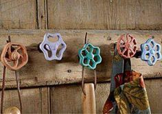 Ideas for diy bathroom design ideas home improvements Upcycled Home Decor, Repurposed, Diy Bags Patterns, Home Decor Hooks, Diy Kitchen Storage, Square Blanket, Faucet Handles, Reclaimed Barn Wood, Decoration