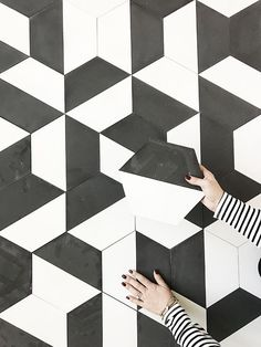 Creative Tile Patterns with Basic Shapes (Centsational Girl) Floor Patterns, Tile Patterns, Textures Patterns, Wall Textures, Geometric Tiles, Hexagon Tiles, Bathroom Floor Tiles, Tile Floor, Black And White Tiles