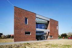 The health and social care centre in Gierałtowice, design: Barbara Grąbczewska and Oskar Grąbczewski, photo: Tomasz Zakrzewski / archifolio / www.ovo-grabczewscy.pl