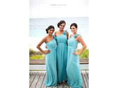 Turquoise bridesmaids for the beach