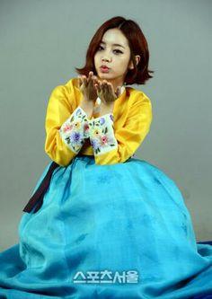 Girl's Day greet fans in hanbok on We Heart It Hyeri, Girl Day, Traditional Dresses, Rapper, Kpop, Stuff To Buy, Rocks, Instagram, Fans